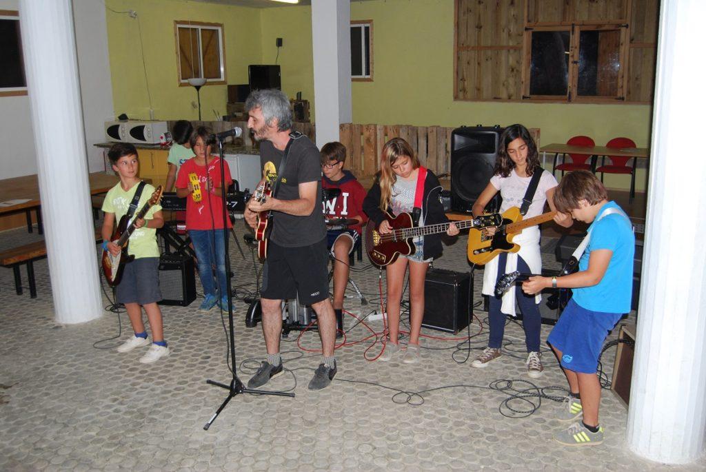 Batalla de Bandas, Summernrock, Campamento de verano