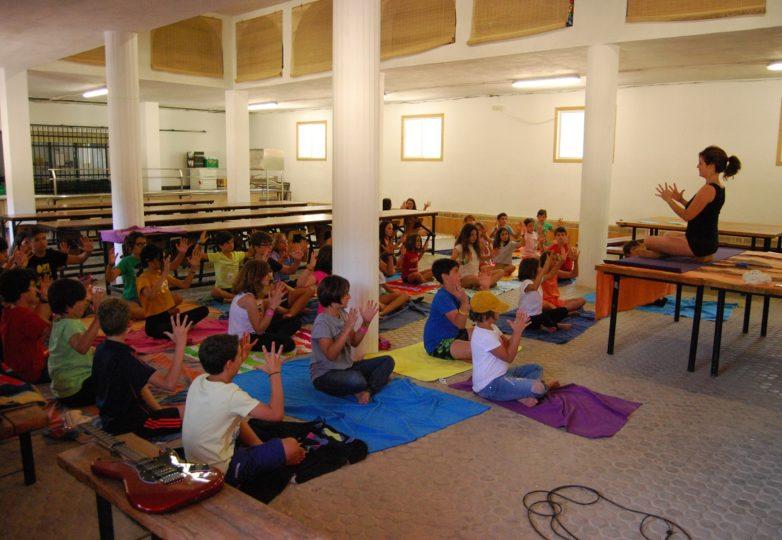 Yoga para niños en Alfacar con María
