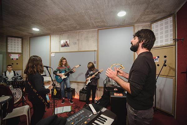 ensayo, bandas, escuela de rock, Granada